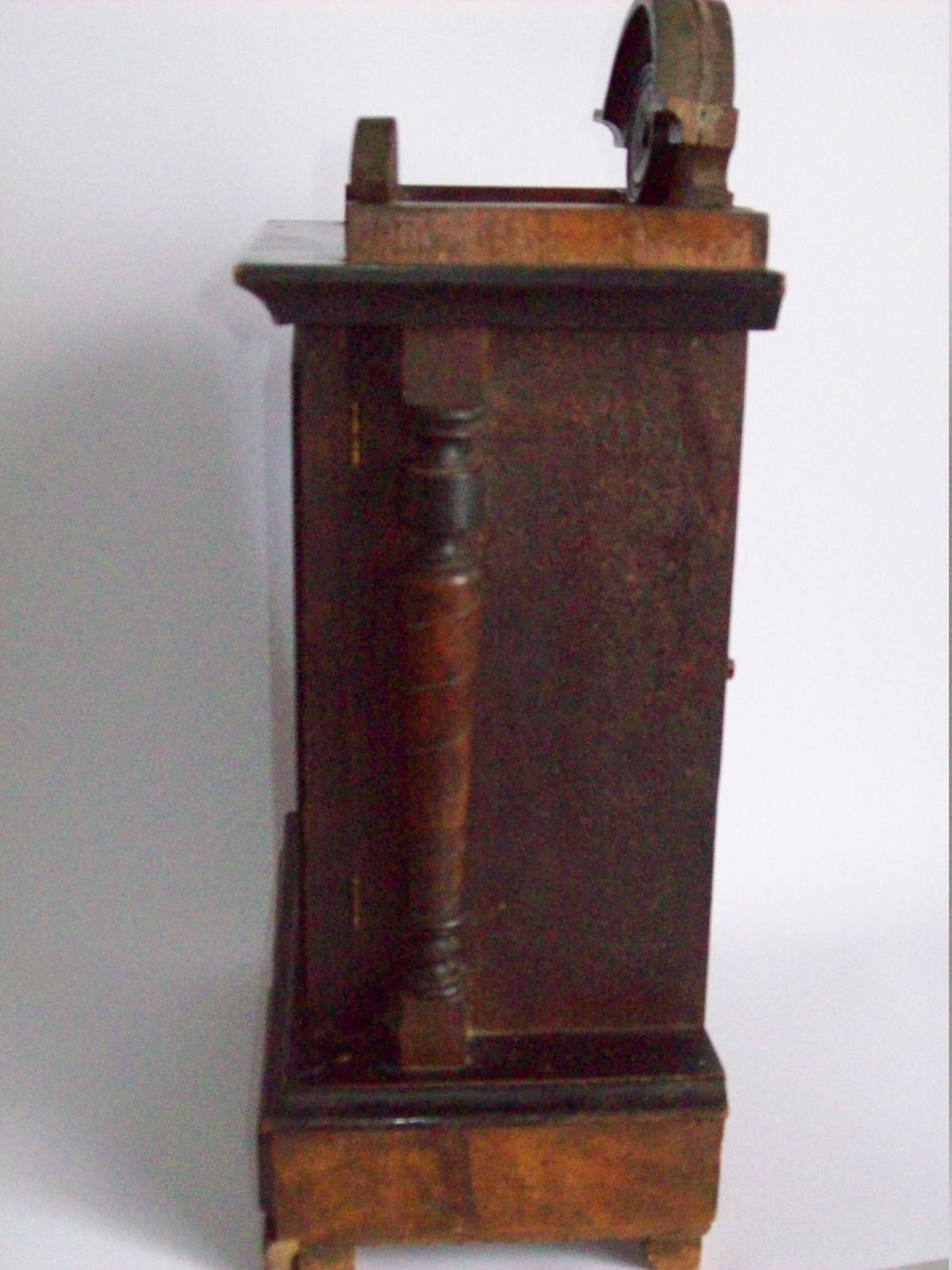 Mantle Clock side view.